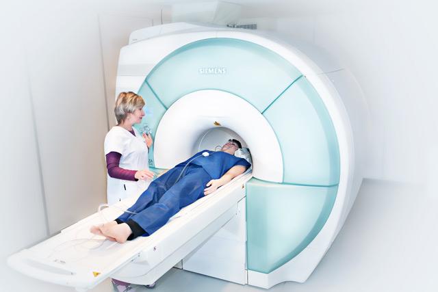 Компьютерная или магнитно-резонансная томография